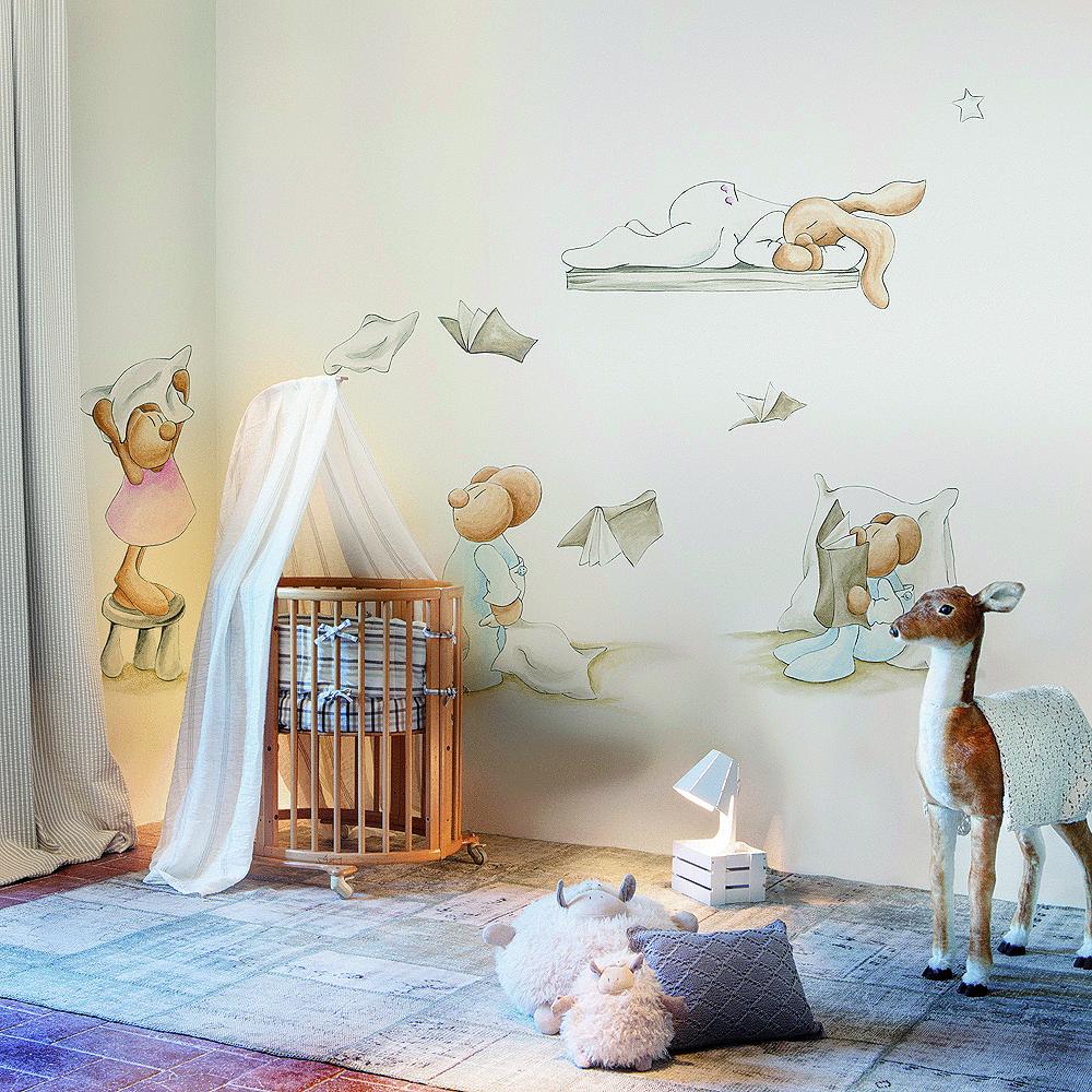 Murales papel pintado y siluetas de pilar burguet por for Mural para pared dormitorio