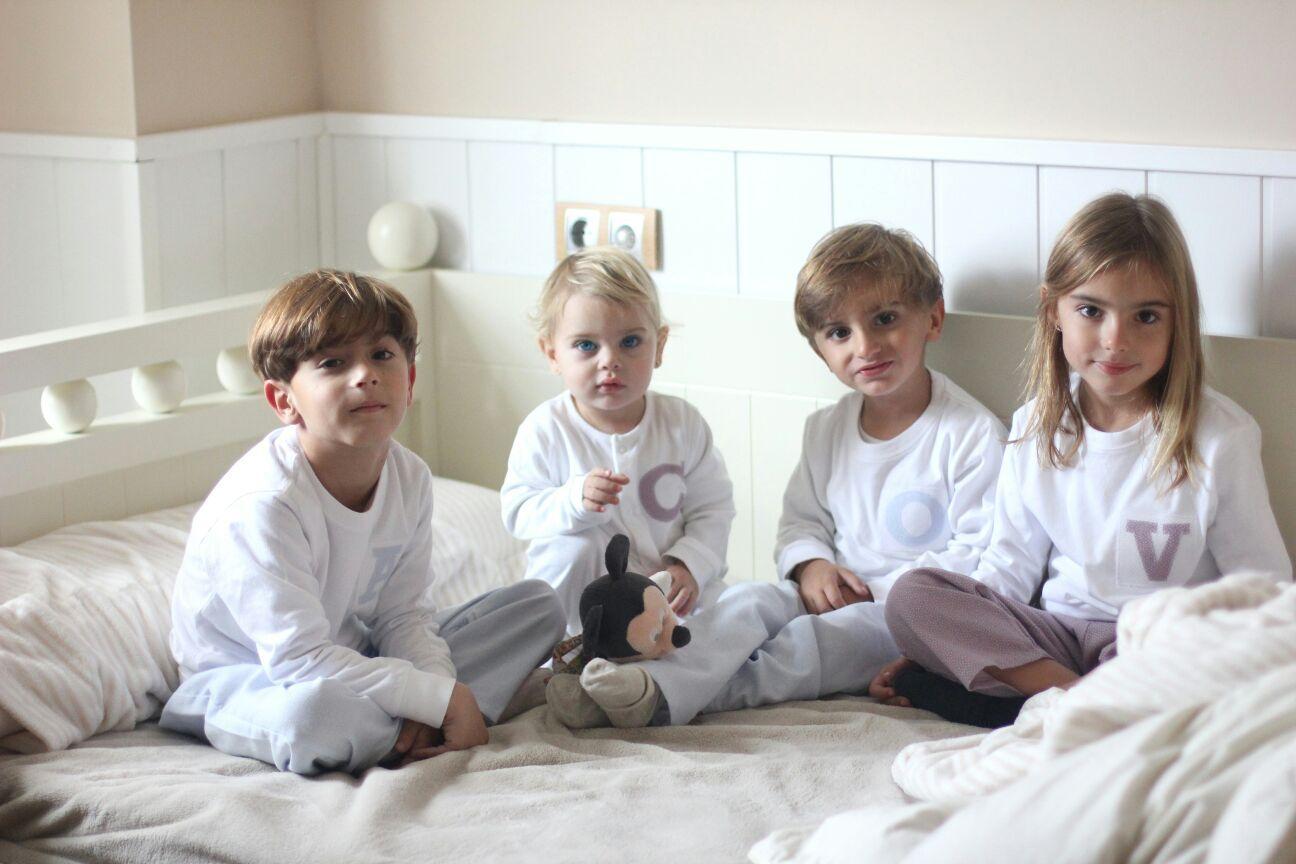 2cdc701b6 Pijamas personalizados para niños y adultos - Enfants et Maison